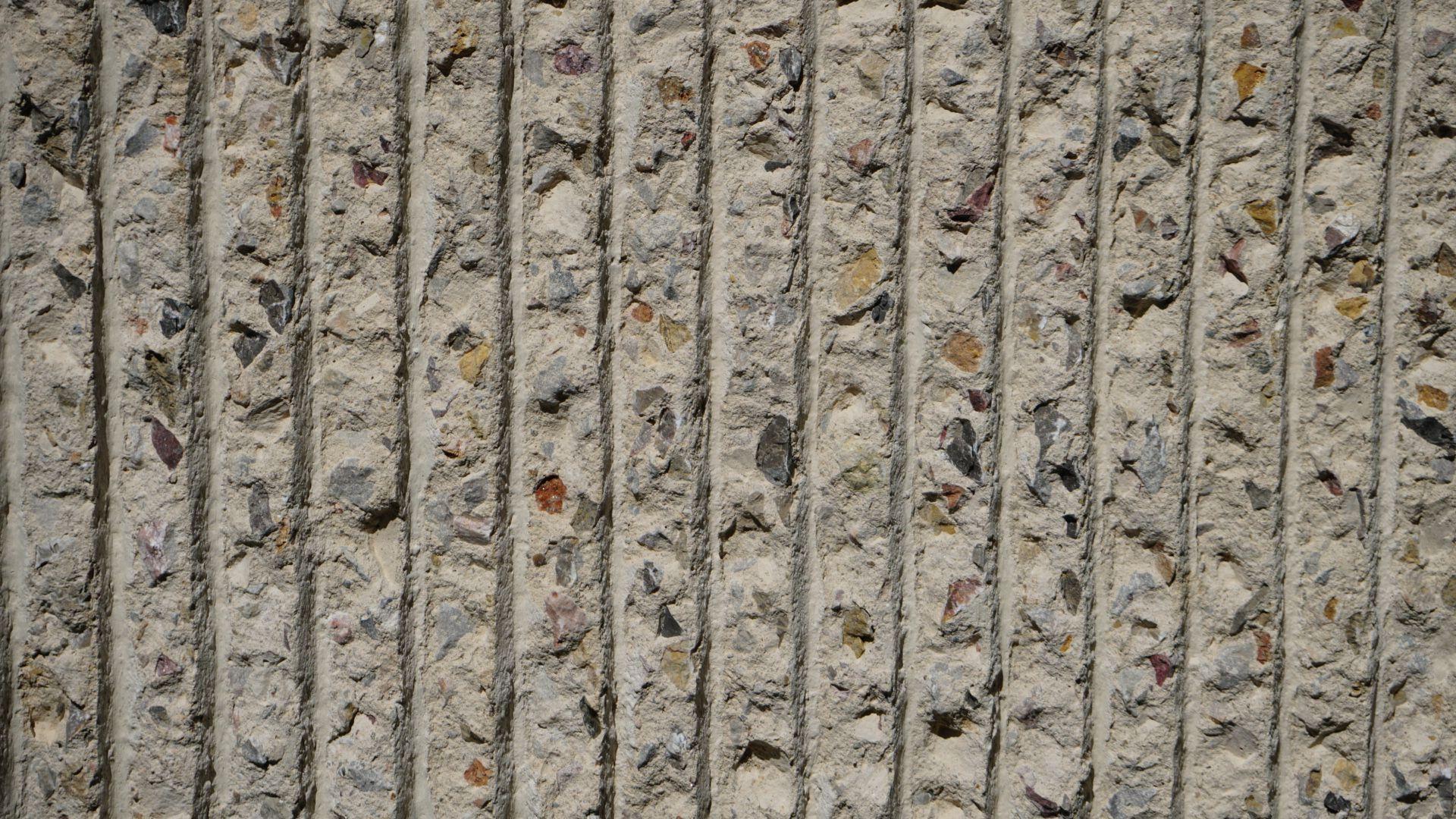 Bush-hammered rib in concrete.JPG
